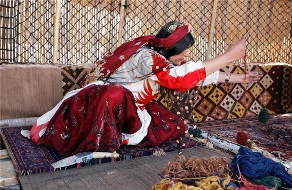 「天织地毯」天结地织臻于至美——古老波斯地毯的当代演绎与传承