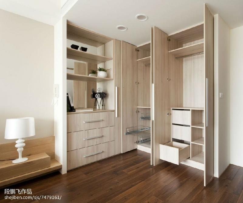 选择家具衣柜定做的优点有哪些
